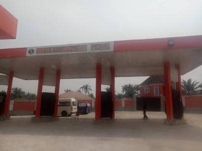 Suspected 'yahoo kingpin' Nwanta Anayoeze arrested by EFCC, mansion and fuel station seized (photos)
